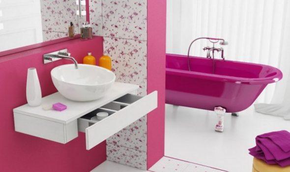 borne blanche pour la salle de bain