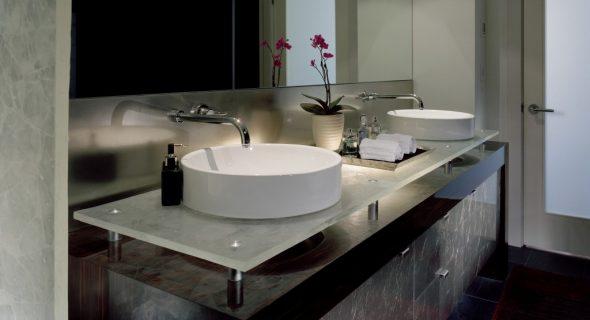 idées d'armoires de salle de bain