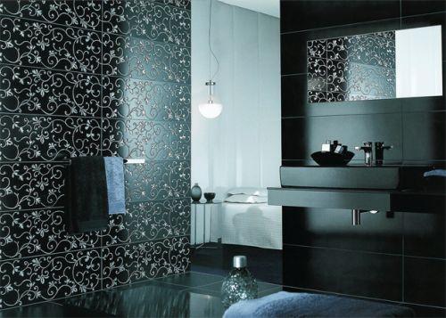 tuile miroir dans la photo de la salle de bain