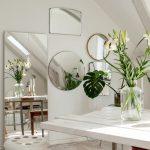 miroir à l'intérieur blanc