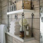 Hyviä ja söpöjä roikkuvia hyllyjä kylpyhuoneessa