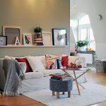 Pitkä yksittäinen hylly valkoinen sohva
