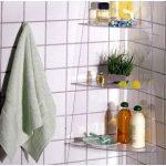 Etagères pour l'installation de la salle de bain à faire soi-même