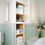 faire des étagères dans la salle de bain