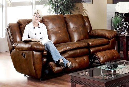 meubles en cuir dans la maison