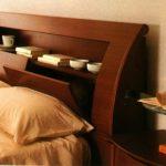 sängyn hyllyt