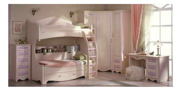 Modèles colorés de lits superposés pour la chambre des enfants