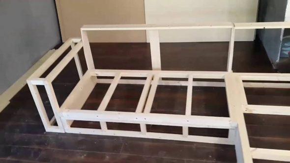 Cadre pour le canapé d'angle