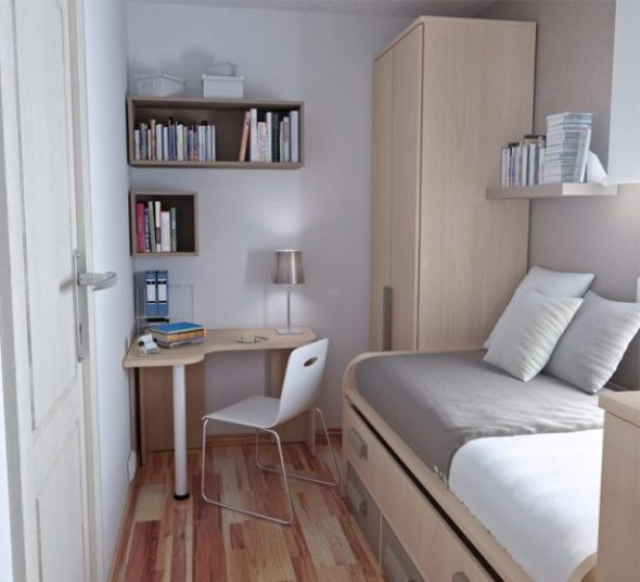 Petite chambre confortable avec le minimum nécessaire