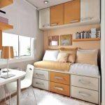 Petite chambre aux couleurs pastel