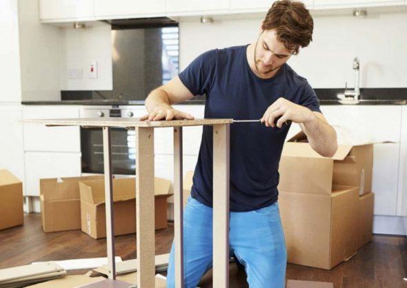 montage de meubles avec vis