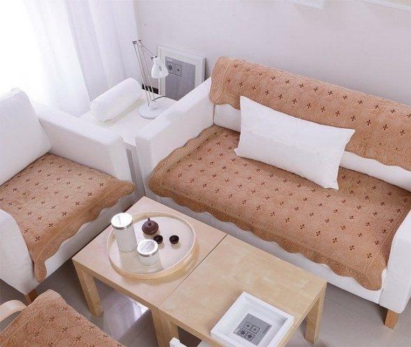 Salon confortable avec canapé et chaise longue