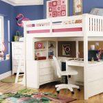 Lit mezzanine en bois blanc pour un adolescent