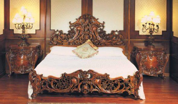 Mobilier de chambre baroque en bois