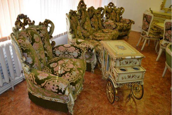 Le luxe royal dans les meubles de salon