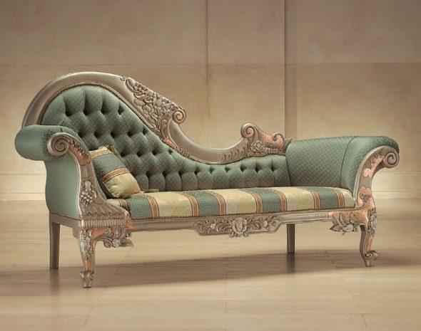 Canapé baroque insolite