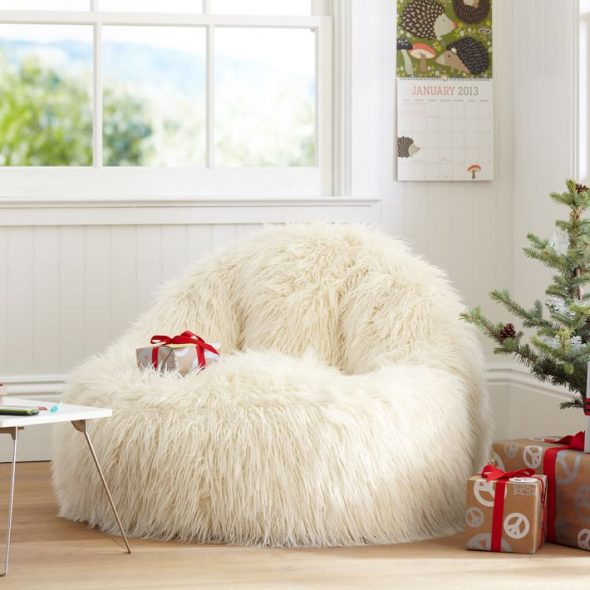 Chaise de fourrure moelleux