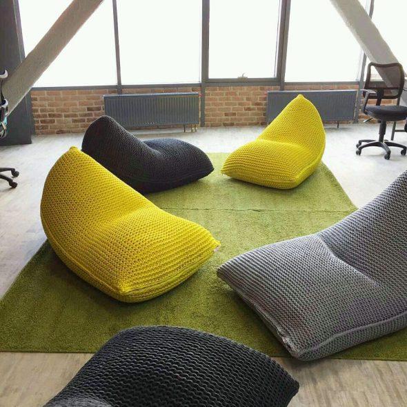 Chaises tricotées confortables