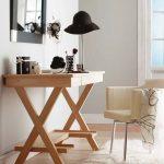 Table de maquillage en bois