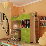 Chambre aux couleurs chaudes avec lit mezzanine