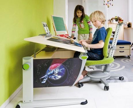Chaise orthopédique pour l'étudiant