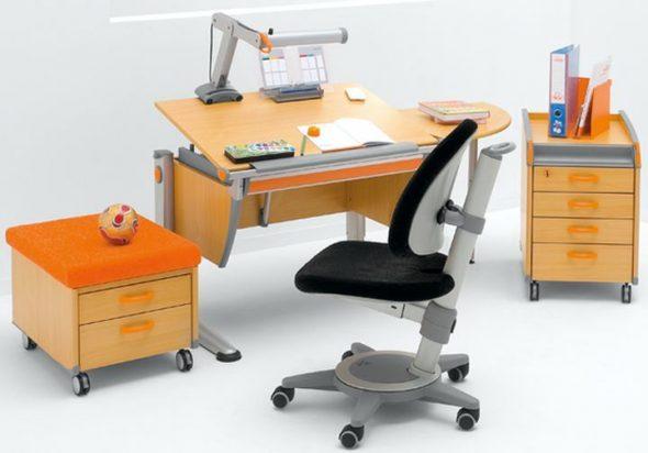 Správný psací stůl