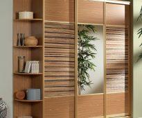 Armoire avec insertions de bambou