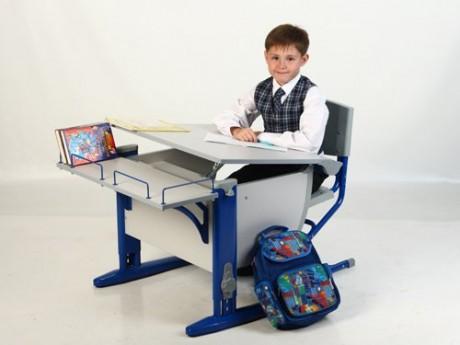 Stůl a židle pro domácí aktivity