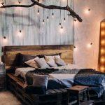 Taustavalaistu makuuhuone sisustus