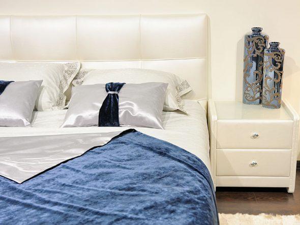 Elisa lit avec couvertures amovibles