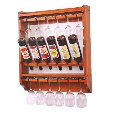 Etagère inclinée pour conserver le vin en bouteille
