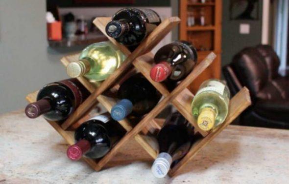 Etagère originale en nid d'abeille pour bouteilles