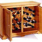 Cave à vin en bois avec portes