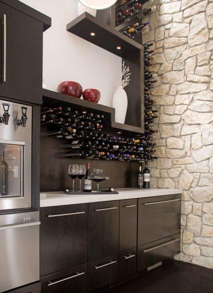 Casier à vin dans la cuisine