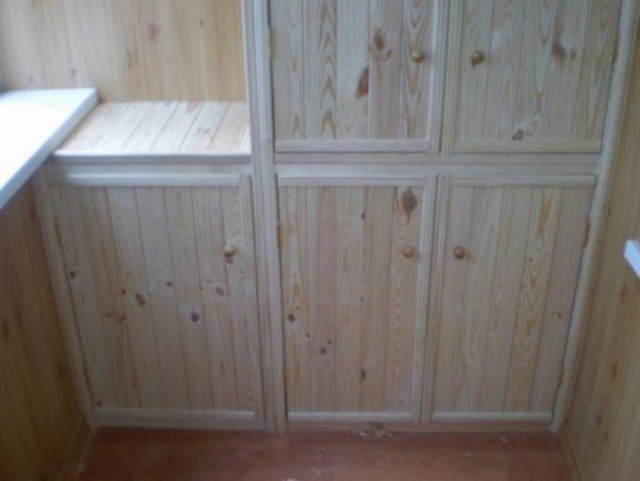 Grande armoire encastrée