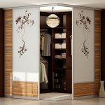 Armoire coulissante sous la forme d'une armoire
