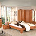 Ensemble de chambre à coucher en bois avec penderie d'angle
