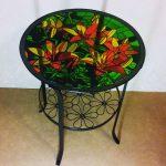 Table basse avec un motif lumineux