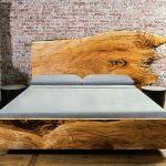 Lit en bois non traité pour le loft de la chambre
