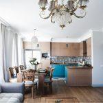 Table en bois pour la cuisine-salon