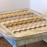 Table antique en bois avec leurs propres mains