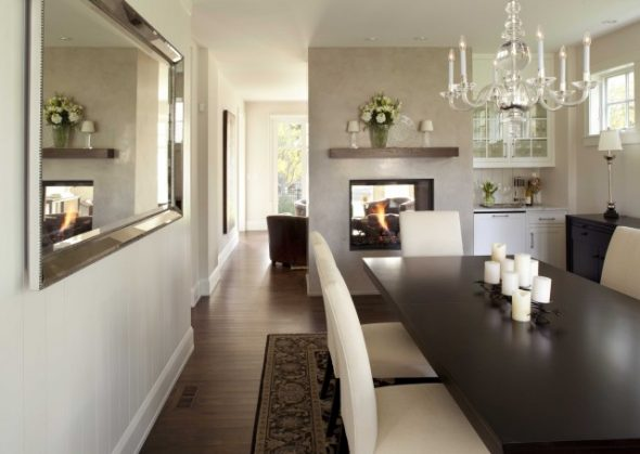 Longues tables rectangulaires et ovales