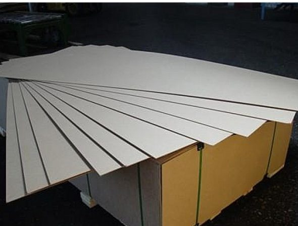 Panneau de fibres de bois pour armoire