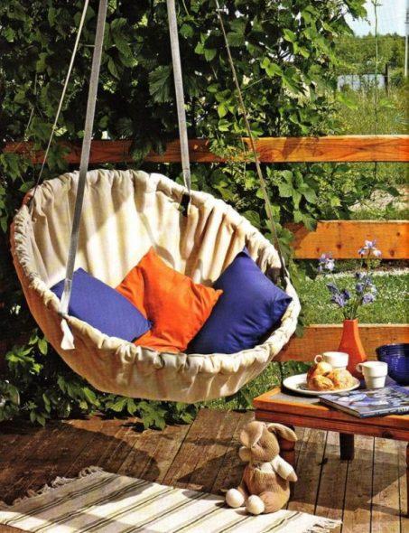 Hamac chaise sur un cadre rigide