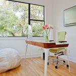 Fauteuil fauteuil faites-le vous-même dans un bureau lumineux