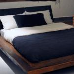 Lit en bois de style loft