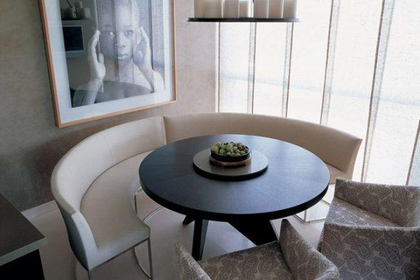Modèles de table sans angles vifs