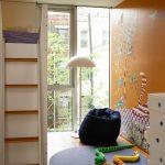 Pouf doux dans la chambre des enfants