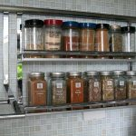 Petites étagères pour garde-corps