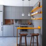 Étagères ouvertes pour la décoration de la cuisine